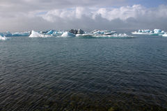 Banchise sulla laguna del ghiacciaio di Jolulsarlon del lago Immagine Stock Libera da Diritti