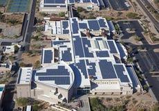 Banco alimentato solare immagini stock libere da diritti