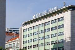 Banco Beste die Bank, in Marques de Pombal Square wordt gevestigd stock foto's