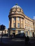Banco BRITÁNICO en día fresco Fotografía de archivo