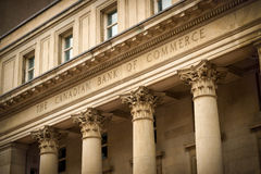 Banco canadiense del edificio del comercio Foto de archivo libre de regalías