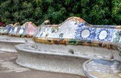 Banco cerâmico de Gaudi, guell do parque, Barcelona, Espanha Fotografia de Stock