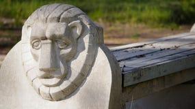 Banco com cabeça do leão Fotografia de Stock Royalty Free