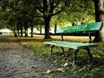 Banco de parque fotografía de archivo libre de regalías