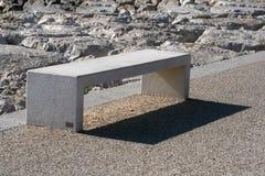 Banco de parque de la roca Fotos de archivo