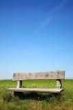 Banco de parque de madera foto de archivo libre de regalías