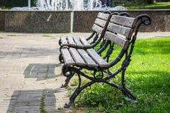 Banco de parque en otoño Fotos de archivo libres de regalías
