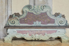 Banco de piedra histórico en la universidad de Bolonia, Italia Imagen de archivo