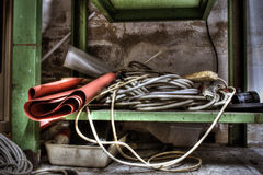 Banco di lavoro abbandonato. Workbench in the basement of an abandoned warehouse Royalty Free Stock Photography