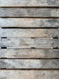Banco di legno con ruvido e macchia fotografia stock libera da diritti