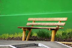Banco di legno nel parco fotografia stock libera da diritti