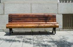 Banco di legno pubblico Fotografie Stock Libere da Diritti