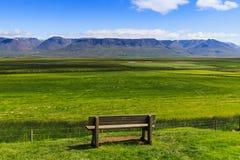 Banco di parco a glaumbaer, Islanda fotografia stock libera da diritti
