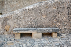 Banco di pietra in Santa Barbara Castle, Spagna, Alicante Fotografia Stock