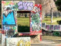 Banco dos grafittis imagem de stock