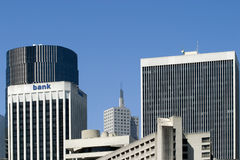 Banco e edifícios fotografia de stock