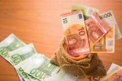 Banco euro del dinero Fotos de archivo libres de regalías