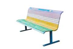 Banco fresco pintado nas cores do arco-íris Fotos de Stock