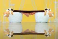 Banco gemelo de las ovejas imagen de archivo libre de regalías