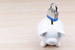 Banco Piggy com cadeado Foto de Stock