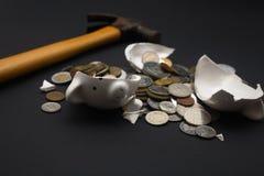 Banco Piggy quebrado Imagem de Stock