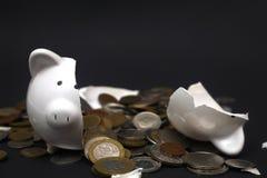 Banco Piggy quebrado Fotos de Stock Royalty Free