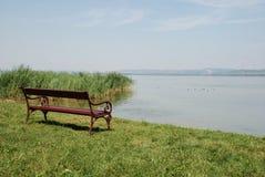 Banco por Lago Balaton Imagem de Stock