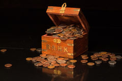 Banco que transborda com mudança Fotografia de Stock