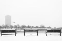 Banco vacío del invierno Imagen de archivo libre de regalías
