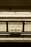 Banco vacío en el subterráneo, tonalidad de la sepia Imagen de archivo libre de regalías