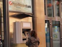 BANCOMAT di HypoVereinsbank Immagini Stock