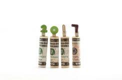 Banconota del dollaro con 2017 anni fatti dai morsetti di legno isolati Immagini Stock Libere da Diritti
