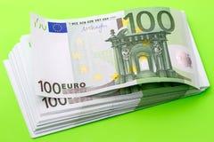 Banconota del pacchetto cento euro Immagini Stock