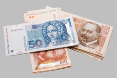 Banconote croate di Kuna isolate su gray Immagini Stock