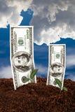 Banconote del dollaro su suolo Fotografia Stock Libera da Diritti