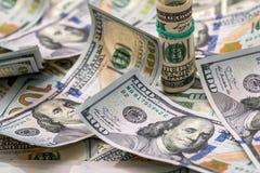 100 banconote in dollari come fondo Immagini Stock