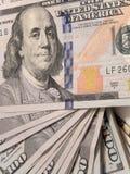 Banconote in dollari di nuovo cento Fotografie Stock