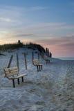 Bancos da praia de Cape Cod no por do sol Imagem de Stock