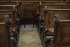 Bancos de iglesia imágenes de archivo libres de regalías