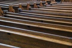 Bancos de iglesia vacíos Fotografía de archivo libre de regalías