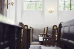 Bancos de igreja fotografia de stock