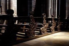 Bancos de madera vacíos hermosos Imagen de archivo