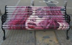 Bancos pintados de Santiago en Las Condes, Santiago de Chile Fotos de archivo