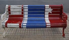Bancos pintados de Santiago en Las Condes, Santiago de Chile Fotografía de archivo