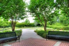 Bancs de jardin Photos stock