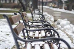 Bancs de neige en parc Photo libre de droits