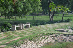 Bancs de parc en pierre Image libre de droits