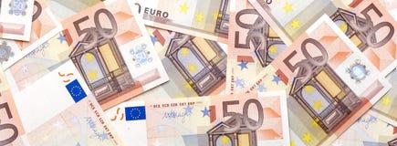 Band av 50 eurosedlar Arkivfoto