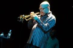 Band Carlos-Santanas: Bill Ortiz Stockbild