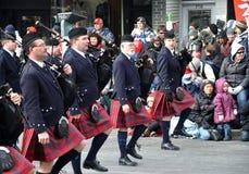 Band in de Parade van de Kerstman Royalty-vrije Stock Afbeeldingen